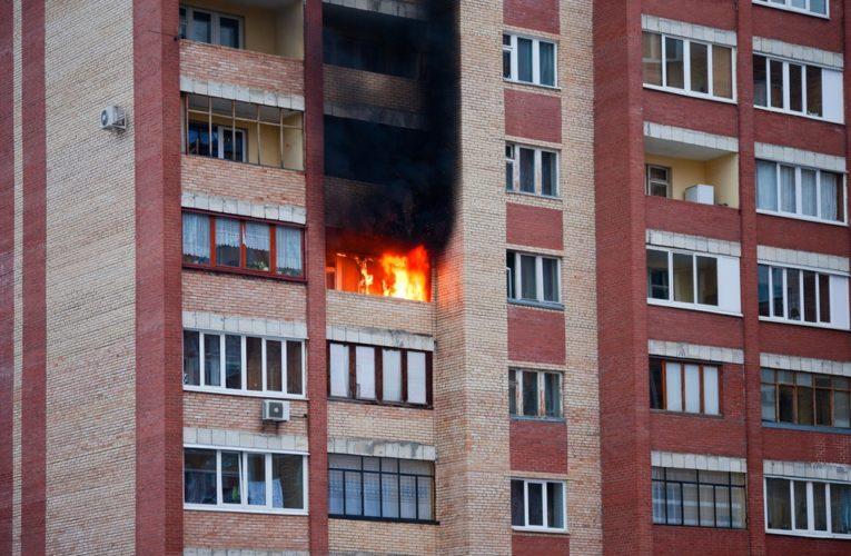 В днепровской многоэтажке загорелся балкон