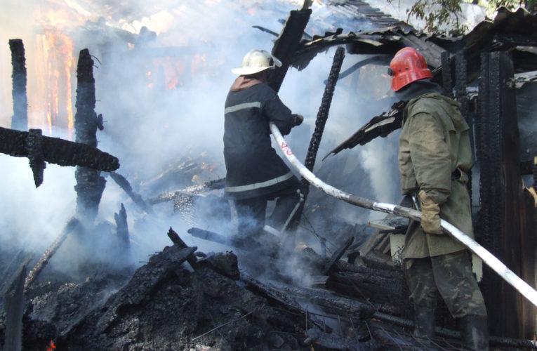 В Днепре случился пожар вблизи частного сектора