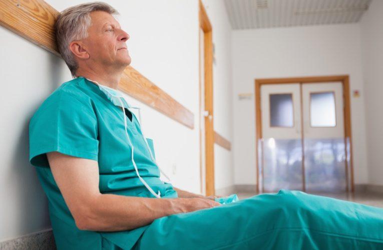 В Украине сразу два антирекорда: 6719 новых случаев коронавируса и 141 смертельный