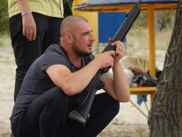Мужчина открыл стрельбу на многолюдном пляже Каменского