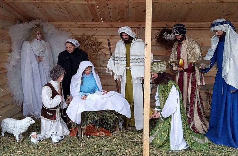 В Никополе появился рождественский вертеп