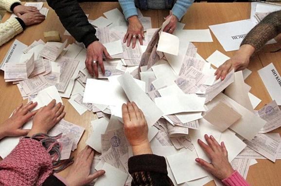 В Кривом Роге перед вторым туром «тасуют» членов избирательных комиссий