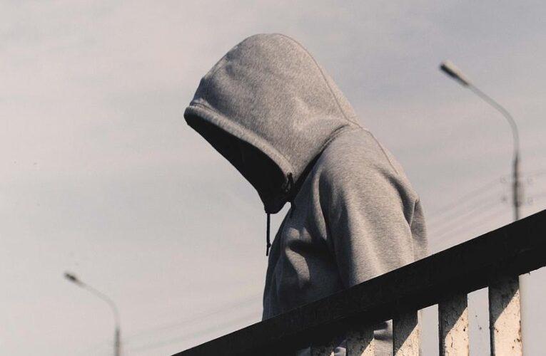 В Днепре девушка пыталась прыгнуть с Центрального моста