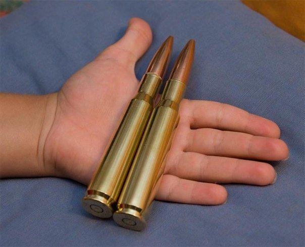 Днепрянка нашла снаряд в мусорном баке на Семафорной