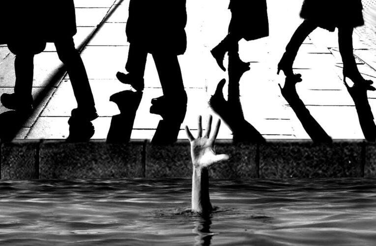 В центре Днепра мужчине стало плохо: люди просто проходили мимо