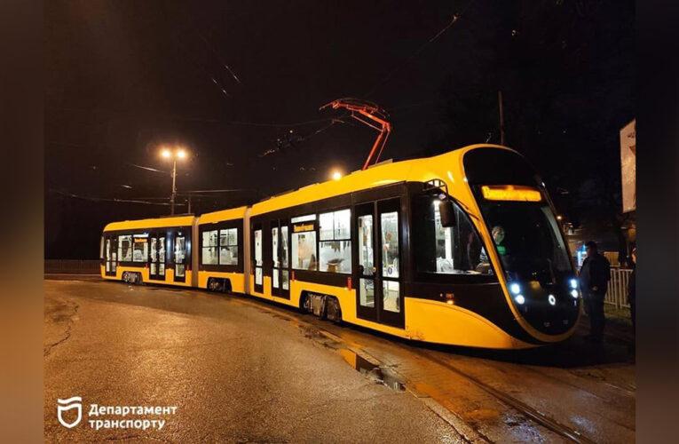 В Днепре прошли первые испытания нового трамвая