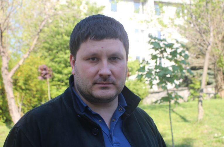 Отец депутата горсовета Днепра получил 30 тыс. грн помощи из бюджета
