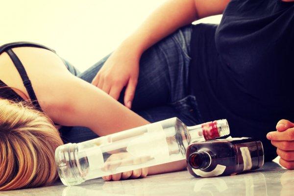 В Днепре 14-летняя девочка впала в алкогольную кому