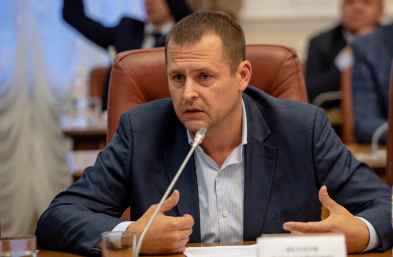 Борис Филатов и другие мэры обратились к Кабмину по поводу долгов за льготный проезд