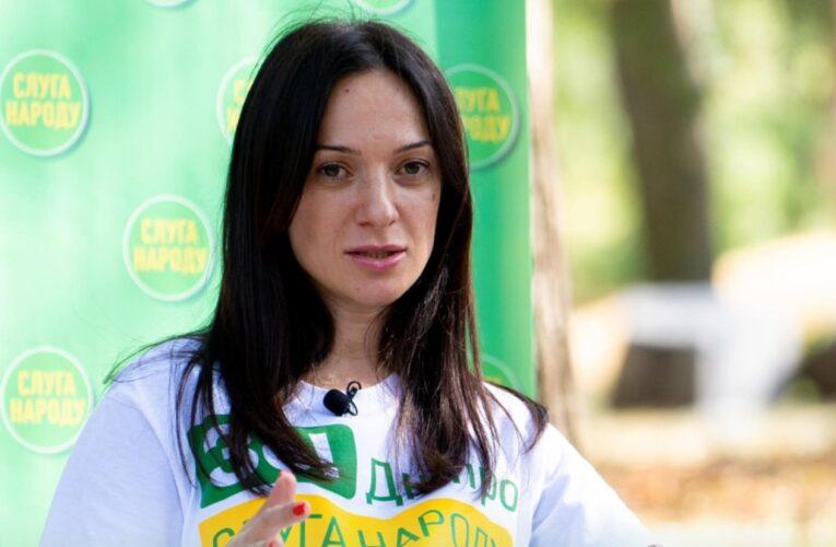 Депутат горсовета Днепра обвинила партию мэра в кознях против «слуг народа»