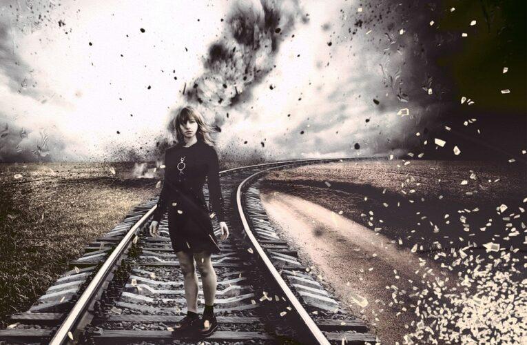 На Днепропетровщине под колесами поезда погибла женщина